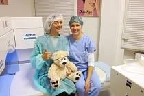 Hned po laserové operaci femtosekundovým laserem pacienti vidí lépe než před zákrokem a během několika hodin se jejich zrak stabilizuje natolik, že se mohou dívat na televizi nebo pracovat na počítači.