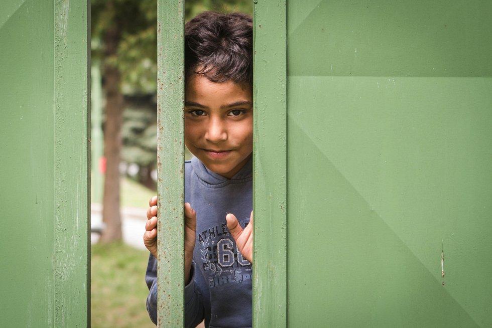 Mladí uprchlíci v táboře. Ilustrační foto.