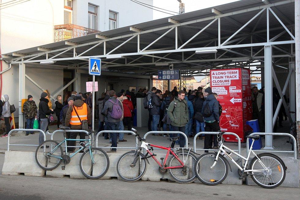 Dolní vlakové nádraží v Brně při výluce.