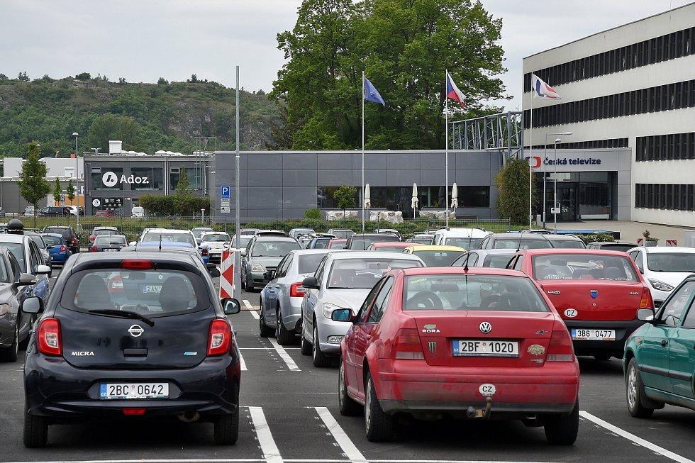 Brno 13.5.2020 - parkoviště před Českou televizí Brno v Líšni