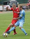 Zbrojovka se v přípravném zápase střetla se Slovanem Bratislava. Na snímku Škoda (B) a Dekamps (SL).