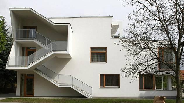 Dům s pečovatelskou službou v brněnském Komíně.