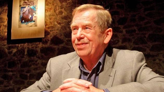 HAVEL DRAMATIK. Svou jednodenní návštěvou dnes Václav Havel zahájí v Huse na provázku Den zahradní slavnosti.