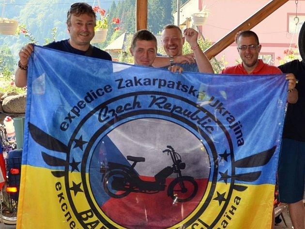Cestovatel Libor Vávra (na snímku vpravo).