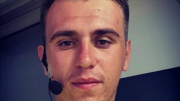 Dvaadvacetiletý sudí Varol Ikizgül (na snímku) se narodil v České republice.