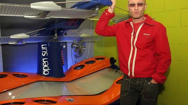 Petr Volgevut vybudoval firmu prodávající solární kosmetiku a přístroje.