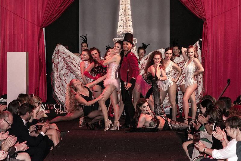 Ve čtvrtek 16. září se v brněnském hotelu Barceló uskutečnil druhý ročník benefiční Show and the City.