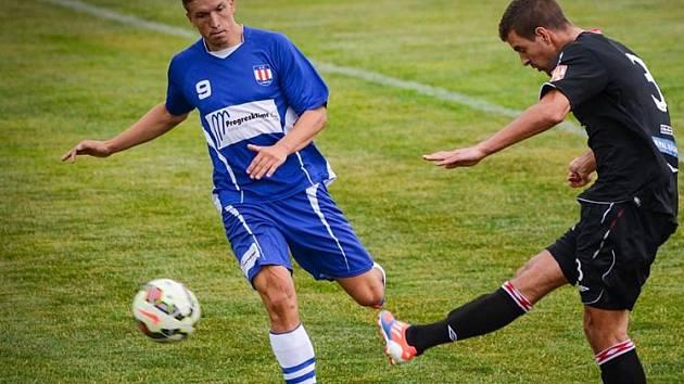 Fotbalista Jindřich Stehlík (vlevo).