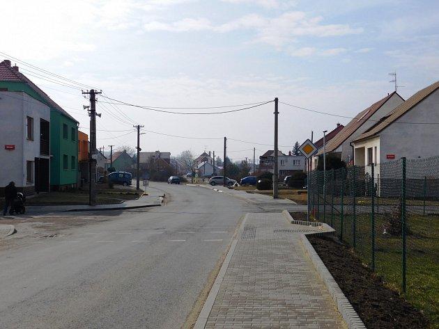 Nový chodník na ulici Dubňanská