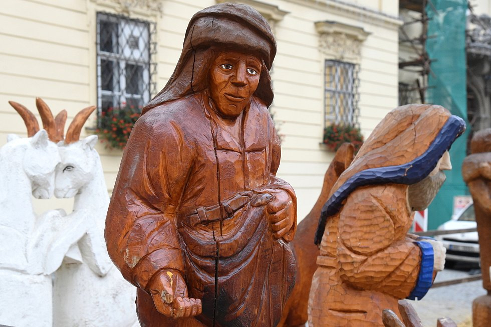Dřevěný betlém na brněnském Dominikánském náměstí.