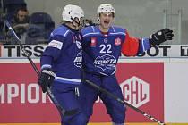 Po devíti utkáních hokejistů brněnské Komety v Lize mistrů je nejlepší střelec týmu osmnáctiletý mladík Jan Süss (vpravo).