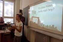 Hra Fakescape učí děti ze škol poznat lež na internetu.