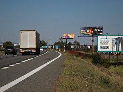 Billboardy kolem silnic a dálnic v Jihomoravském kraji.