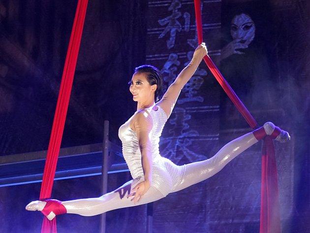 Už počtvrté si mohli ve čtvrtek večer Brňané vychutnat nejen akrobatické umění členů Čínského národního cirkusu. V hale Vodova se tentokrát představili se svým novým programem nazvaným China Town - Říše středu, kolébka kultury.