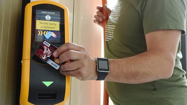 Měsíc Pípni a jeď: lidé si koupili kartou 205 tisíc jízdenek