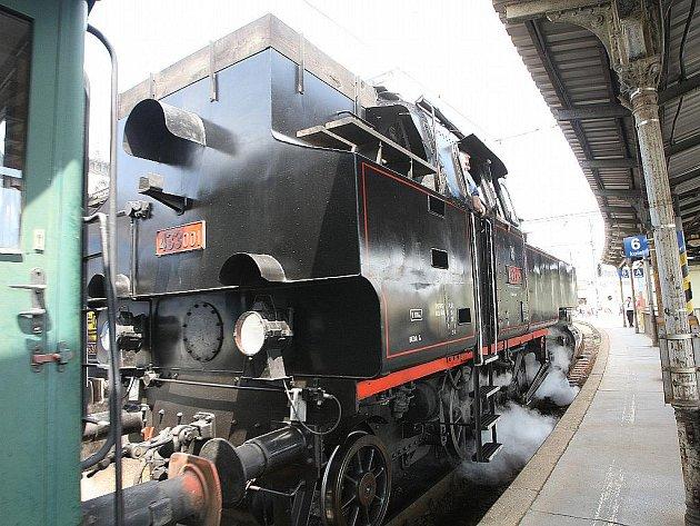 Historické tramvaje, autobusy i vlaky lákají Brňany.