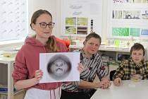 V Centru Mendelianum v Moravském zemském muzeu v Brně byl v neděli odpoledne při Mendel Day připravený program se zajímavými pokusy v molekulárně biologické laboratoři a promítáním dokumentu o Mendelovi.