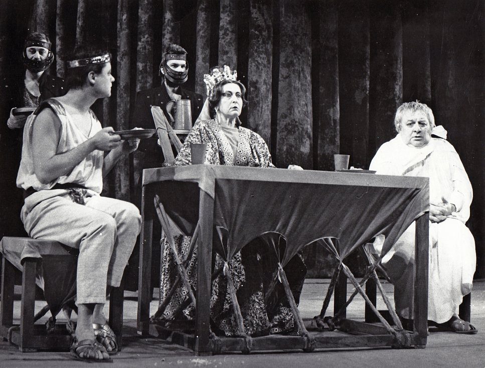 Helena Kružíková jako Livie v inscenaci Národního divadla Brno Já, Claudius v roce 1989.