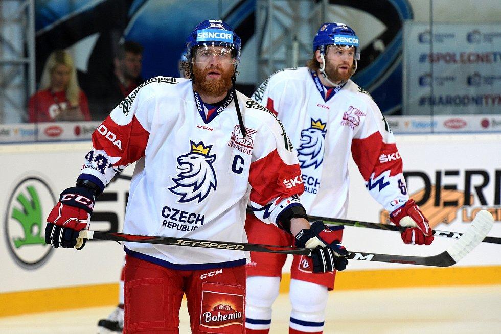 Carlson Hockey Games v brněnské DRFG aréně mezi Českem v bílém (Jakub Voráček) a Švédskem.