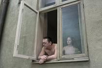 Film Roye Andersonna Holub seděl na větvi a rozmýšlel o životě zahájí v kině Art festival Scandi. Diváci jej uvidí v české premiéře.