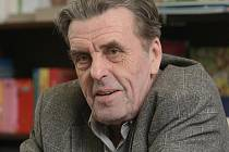 Spisovatel Jan Sokol podepisoval v knihkupectví Barvič a Novotný svou knihu.