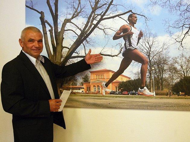 Ani pro jednoho nepředstavovaly cesty v lužáneckém parku ideální běžeckou trať, přesto si připsali tři vítězství. Bývalí atleti brněnské Zbrojovky Miroslav Zoubek a Jiří Florián se zařadili mezi osmičku trojnásobných šampionů Běhu Lužánkami.