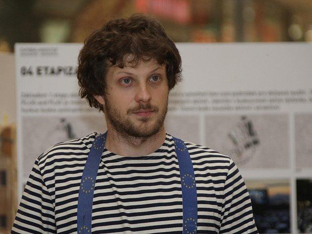 Aktivista Matěj Hollan.