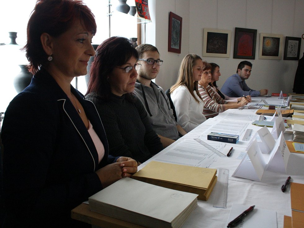 Začátek voleb na kyjovské radnici.