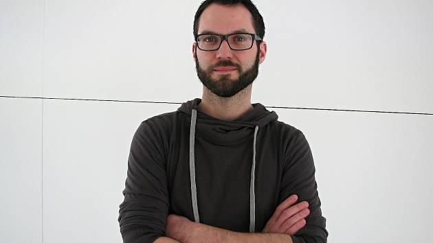 Dvaatřicetiletý Jan Píšala vede kurz v brněnské hvězdárně a planetáriu.