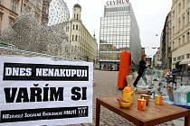 Sdružení Nesehnutí se přidalo k Mezinárodnímu dni bez nakupování.