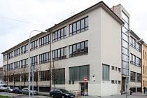 Gymnázium Elgartova.