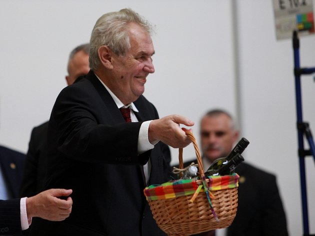 Třetí den návštěvy prezidenta České republiky Miloše Zemana vJihomoravském kraji.