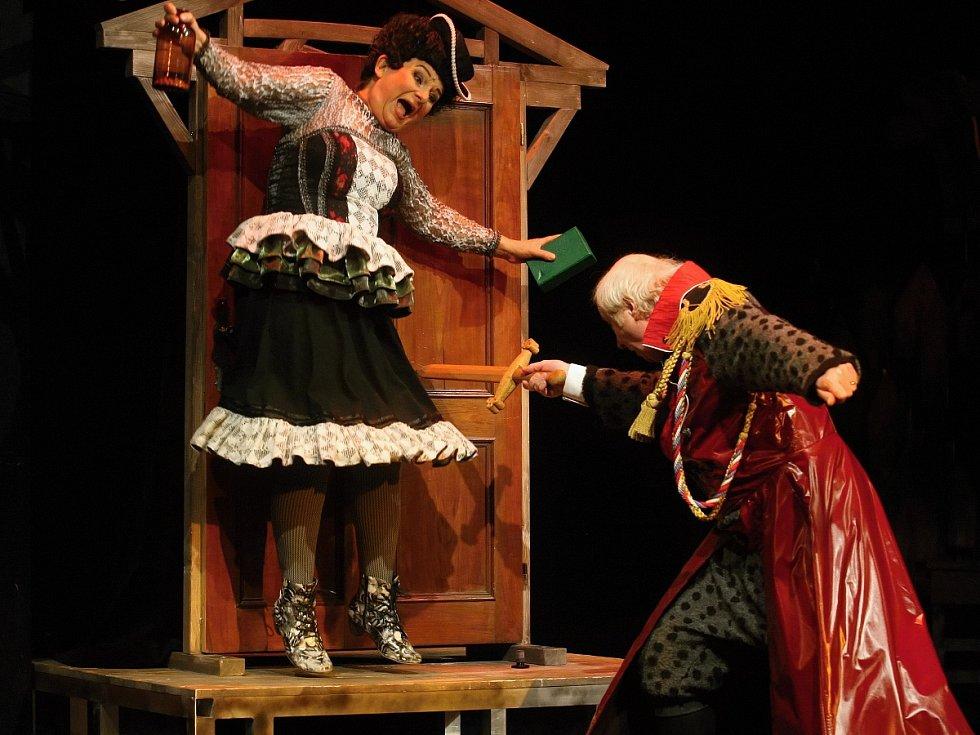 Divadlo Radost v brněnské Bratislavské ulici představilo Veselé paničky windsorské.