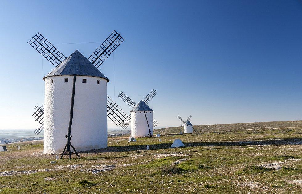 Větrný mlýn La Mancha ve Španělsku.