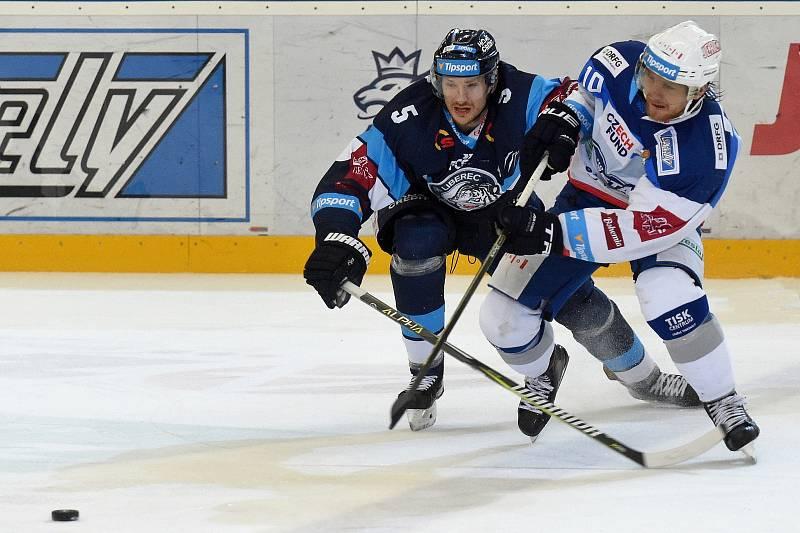 HC Kometa Brno v bílem (Martin Erat) proti Bílým Tygrům Liberec (Ladislav Šmíd)
