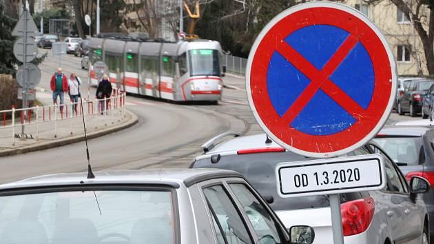 Oprava Merhautovy ulice v Brně: někteří mají obavy, jiní se těší