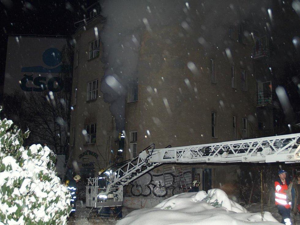 Požár domu ulici Milady Horákové v Brně.