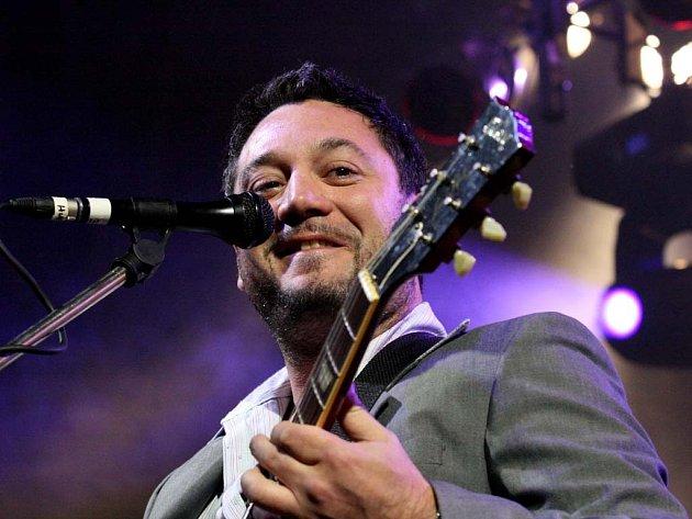 Na festivalu Rio de Riviera se představily desítky zpěváků a skupin.