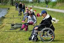 Rybářské závody u rybníku Urbanec pro klienty domova Javorník