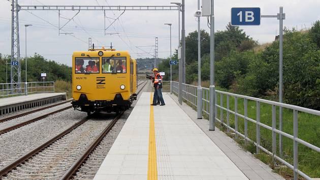 Na železniční trať z Brna do Střelic se vrací vlaky.