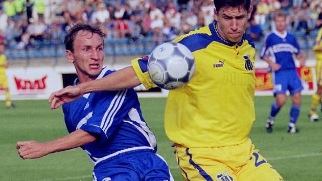 Zdeněk Valnoha (v modrém).