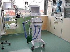 Nový plicní ventilátor v brněnské Nemocnici Milosrdných bratří.