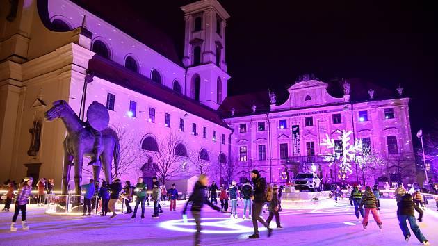Kluziště na Moravském náměstí.