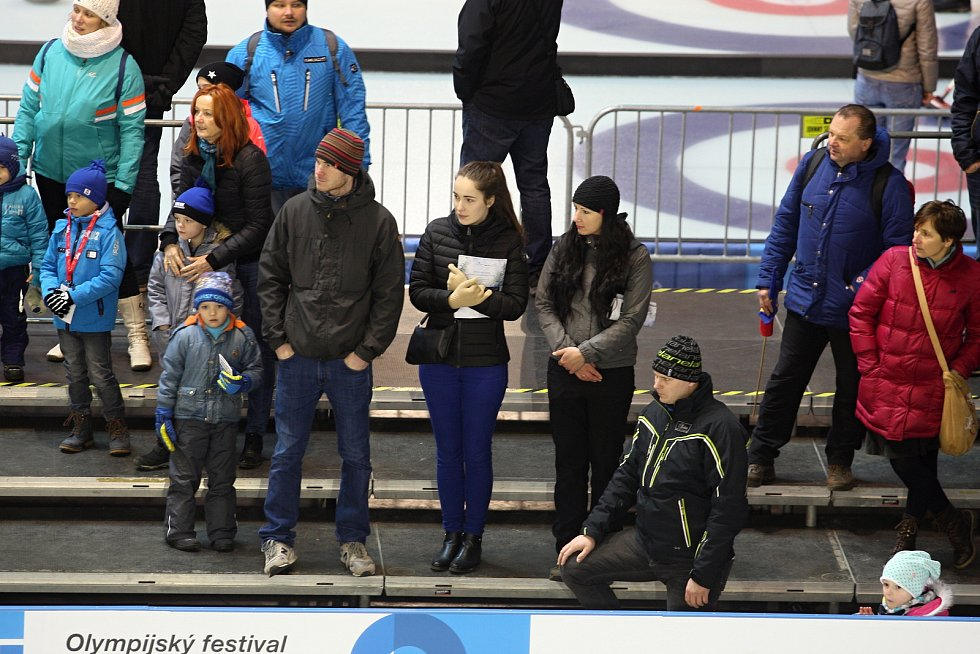 I v neděli ráno se scházejí stovky nadšenců na Olympijském festivalu v Brně podpořit české reprezentanty v Koreji.