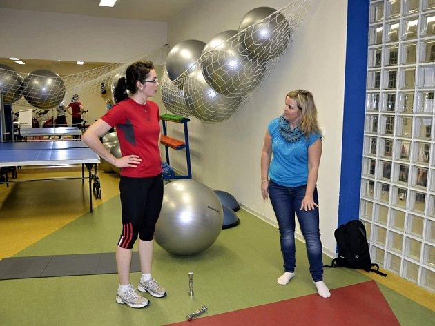 Na pohovoru s trenérkou se čtenářka Deníku Eva Matušková dozvěděla, jak má správně cvičit doma na míči i s malými činkami. Také chodí pravidelně na spinning.