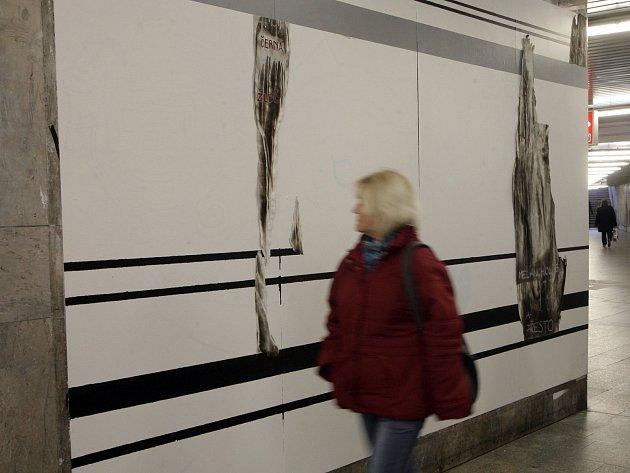 Tvá nahota jsou tvé šaty. Výstava studentů Fakulty výtvarných umění Vysokého učení technického v Brně v prostorách pod brněnským hlavním nádražím.