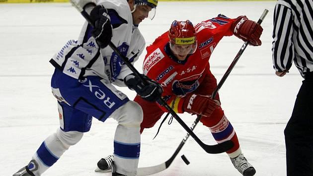 Českobudějovický hokejový tým Mountfield sehrál v pátek večer další přátelské utkání s Kometou Brno.