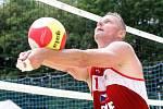 Přemysl Kubala v akci. Plážoví volejbalisté odehráli Český pohár v areálu Sokolského koupaliště na Brněnské přehradě.