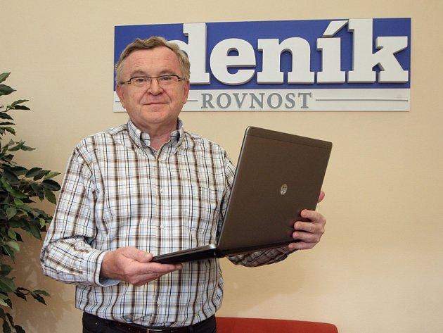Senátor Miloš Janeček v redakci Brněnského deníku Rovnost.