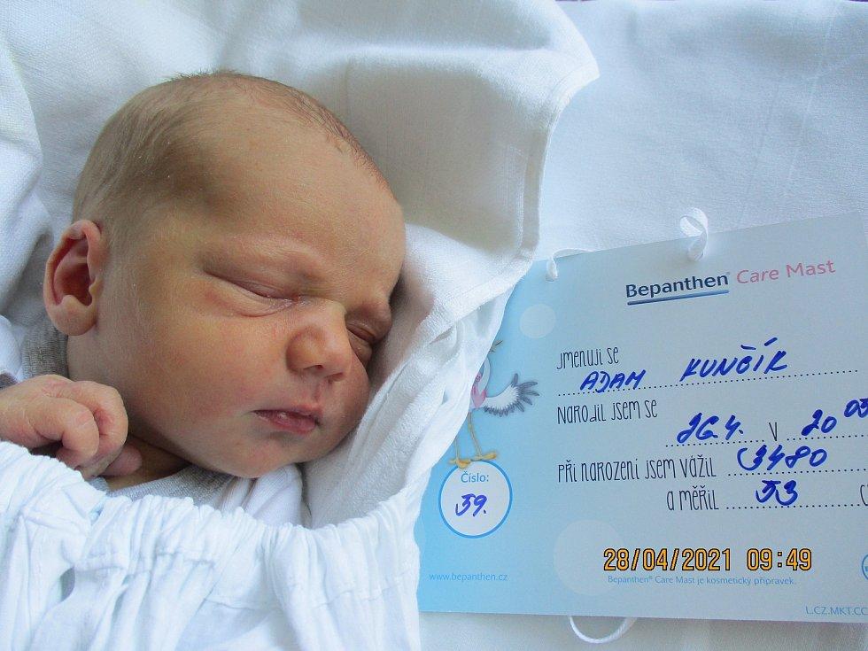 Adam Kunčík, 26. 4. 2021, Podivín, Nemocnice Břeclav, 3480 g. 53 cm